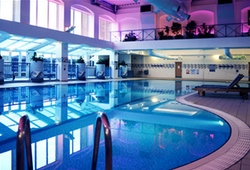 3* Hotel Swimming Pool Near Manchester