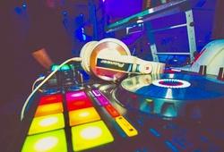 Atik Nightclub DJ